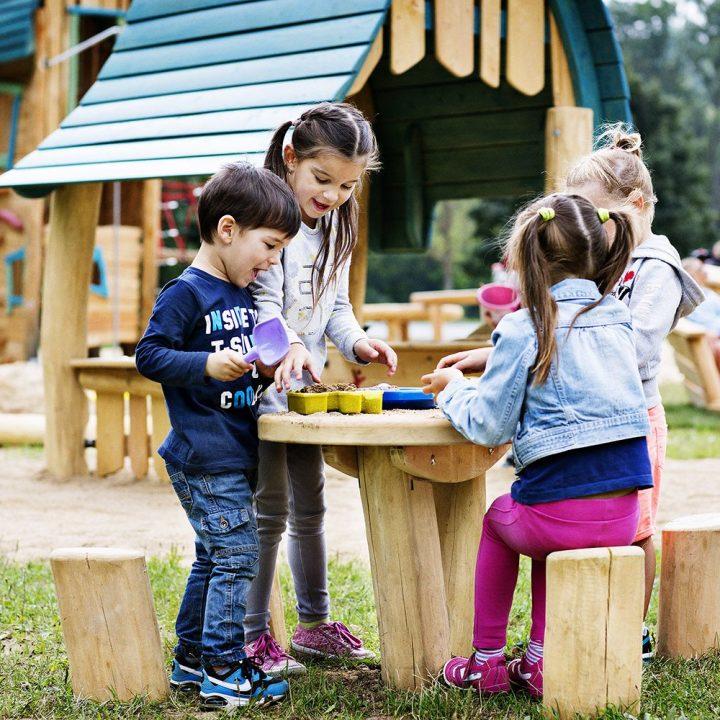 Table pour Enfant avec 4 Bancs Billot